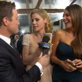 2012 Golden Globes Red Carpet: Julie Bowen & Sofia Vergara Laugh It Up