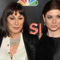 Are Anjelica Huston & Debra Messing Nervous About The Hype Surrounding 'Smash'?