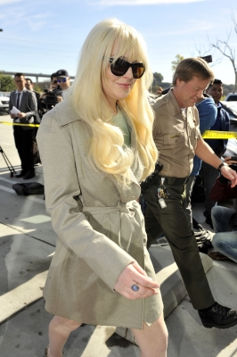 Lindsay Lohan arrives at court in Los Angeles on February 22, 2012