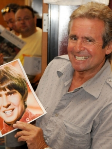 Davy Jones at The Hollywood Collectors &amp; Celebrities Show held at the Burbank Airport Marriott Hotel &amp; Convention Center on July 18, 2009 