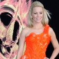 Elizabeth Banks Puts On Her Best 'Effie' Outfit For 'The Hunger Games' Premiere