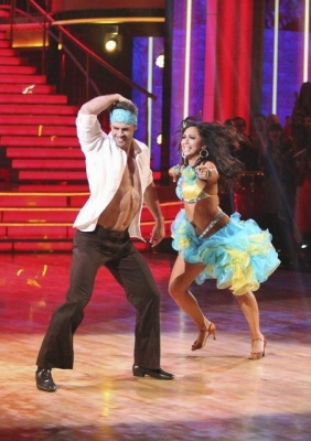 William Levy and Cheryl Burke conquer the salsa on 'Dancing with the Stars' Week 3, April 2, 2012