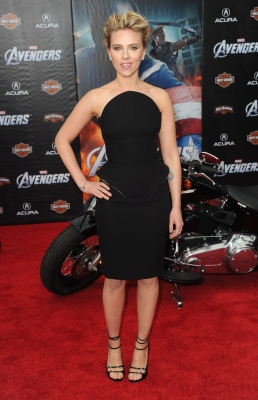 Scarlett Johansson looks stunning at the premiere of Marvel Studios&#8217; &#8216;The Avengers&#8217; at the El Capitan Theatre in Hollywood on April 11, 2012