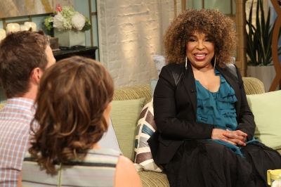 Roberta Flack chats with Billy Bush and Kit Hoover on Access Hollywood Live on April 30, 2012