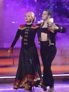 Katherine Jenkins and Mark Ballas perform the Argentine tango on the 'Dancing with the Stars' Season 14 finals, May 21, 2012