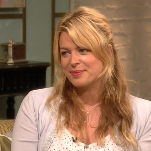 Amanda De Cadenet On The Secret Behind Her Candid Celebrity Conversations