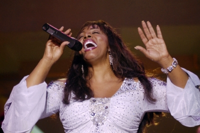 Donna Summer performs at Destination Fashion 2007 to benefit the Buoniconti Fund at Bal Harbour Shops in Miami Beach, Florida on March 2, 2007 