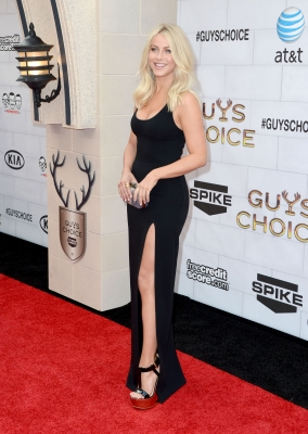 Julianne Hough arrives at Spike TV's 6th Annual 'Guys Choice Awards' at Sony Pictures Studios in Culver City, Calif., on June 2, 2012