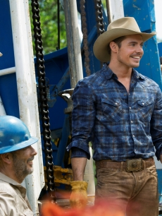 Josh Henderson in 'Dallas'