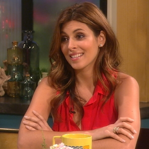 Jamie-Lynn Sigler Geeks Out With Chris Harrison Over The Bachelorette