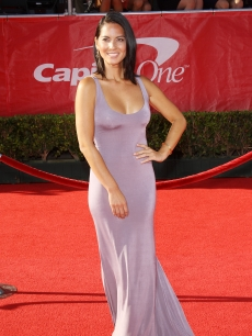 Olivia Munn arrives at the 2012 ESPY Awards