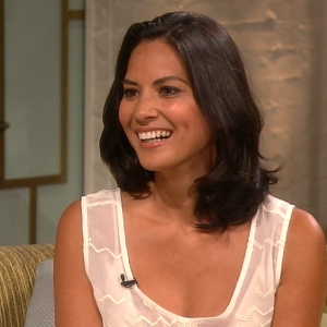 Olivia Munn Explains Her Red Carpet Fashion Awkwardness & Dating Life