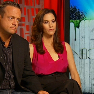 Marty Weaver & Jami Gertz Dish On Their 'Odd' Neighbors