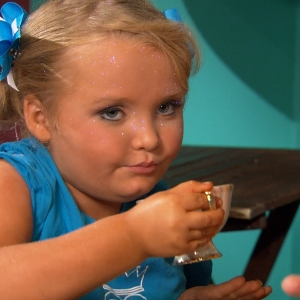 Honey Boo Boo & Mom Talk New TLC Series Here Comes Honey Boo Boo