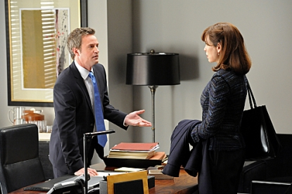 Matthew Perry with Julianna Margulies on 'The Good Wife'