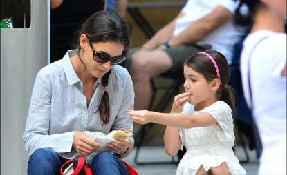 Katie Holmes and Suri Cruise share lunch as they visit Museum of Modern Art, New York City, on August 6, 2012