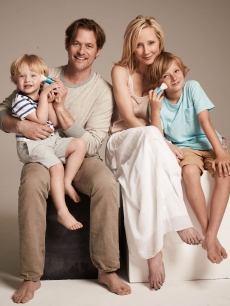 Anne Heche, James Tupper and their children Homer and Atlas
