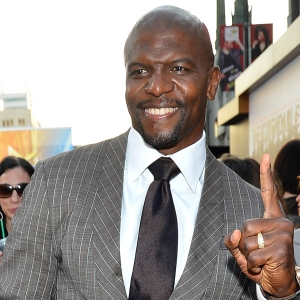 Terry Crews Flexes His Pecs At The Expendables 2 Premiere