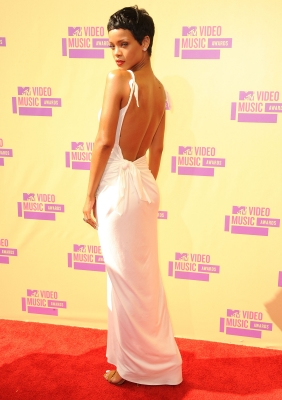 Rihanna arrives at the 2012 MTV Video Music Awards at Staples Center in Los Angeles on September 6, 2012