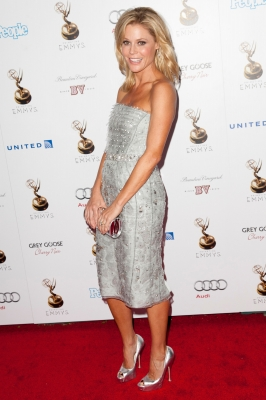 Julie Bowen arrives at The Academy Of Television Arts & Sciences Performer Nominees' 64th Primetime Emmy Awards Reception at the Pacific Design Center in West Hollywood on September 21, 2012