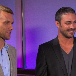 Jesse Spencer &amp; Taylor Kinney Battle The Heat In Chicago Fire