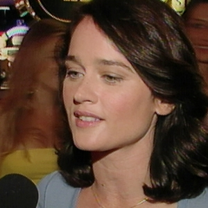 Robin Tunney Is The 'Brawn' On The Mentalist (2008)
