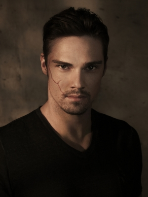 Jay Ryan in The CW&#8217;s &#8216;Beauty and the Beast&#8217;