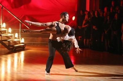Kelly Monaco and Valentin Chmerkovskiy perform contemporary during Week 4 of &#8216;Dancing with the Stars: All-Stars,&#8217; Oct. 16, 2012