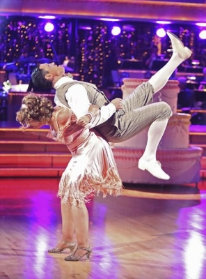 Kirstie Alley and Maksim Chmerkovskiy take on the Charleston during Week 4 of 'Dancing with the Stars: All-Stars,' Oct. 16, 2012