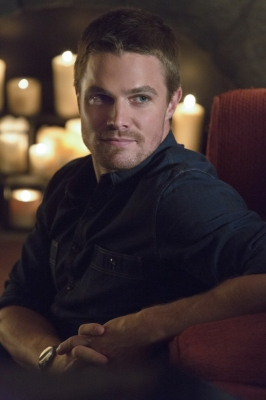 Stephen Amell as Oliver Queen in &#8216;Arrow,&#8217; Episode 2, Season 1 &#8212; &#8216;Honor Thy Father&#8217;