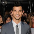 Breaking Dawn - Part 2 Premiere: Taylor Lautner Talks Fan Madness