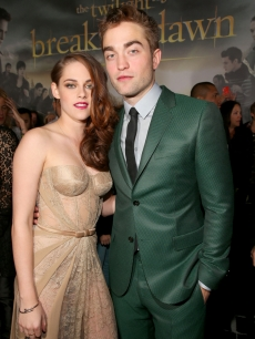 Kristen Stewart and Robert Pattinson arrive at the premiere of Summit Entertainment's 'The Twilight Saga: Breaking Dawn - Part 2' at Nokia Theatre L.A. Live in Los Angeles on November 12, 2012