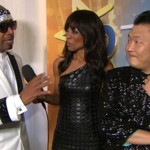 PSY & MC Hammer Talk Performing Gangnam Style Together At The 2012 American Music Awards