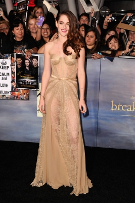 Kristen Stewart arrives at 'The Twilight Saga: Breaking Dawn - Part 2' Los Angeles premiere at Nokia Theatre L.A. Live in Los Angeles on November 12, 2012