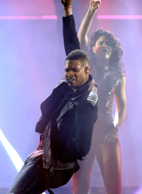  Usher opens up the 40th American Music Awards held at Nokia Theatre L.A. Live in Los Angeles on November 18, 2012