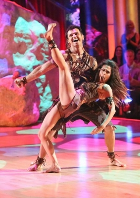 Tony Dovolani and Melissa Rycroft perform on &#8216;Dancing with the Stars: All-Stars,&#8217; Nov. 19, 2012