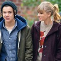 One Direction&#8217;s Harry Styles and Taylor Swift show off their new relationship with a date to the Central Park Zoo in New York City on December 2, 2012  