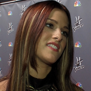 Cassadee Pope Having A &#8216;Blast&#8217; On The Voice
