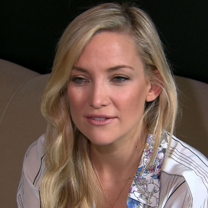 Kate Hudson Loves Using Make-Up