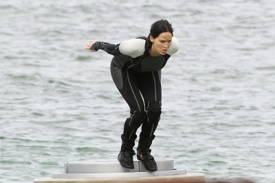 Jennifer Lawrence films scenes for 'The Hunger Games: Catching Fire' in Hawaii on November 26, 2012