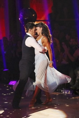 aApolo Anton Ohno and Karina Smirnoff perform on the 'Dancing with the Stars: All-Stars' Season finale, Nov. 27, 2012