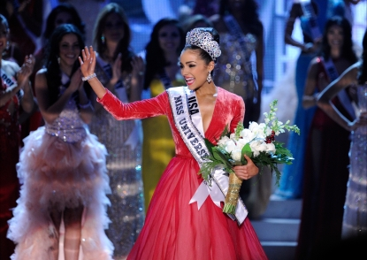 Olivia Culpo, waves after being named the 2012 Miss Universe during the 2012 Miss Universe Pageant at Planet Hollywood Resort & Casino on December 19, 2012 in Las Vegas