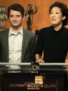 Elijah Wood & Sandra Oh announce the nominees for the SAG Awards