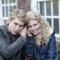 AnnaSophia Robb as Carrie Bradshaw and Austin Butler as Sebastian in &#8216;The Carrie Diaries&#8217;