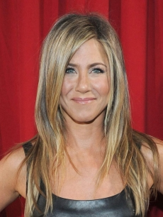 Jennifer Aniston is all smiles at the 2013 People's Choice Awards