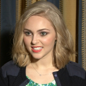 AnnaSophia Robb's Advice For Hosting A Carrie Diaries Premiere Party