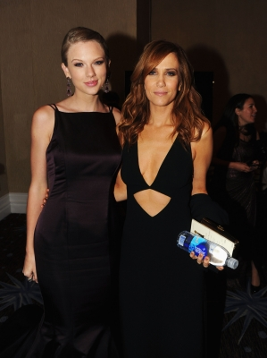 Taylor Swift and Kristin Wiig attend the 70th Annual Golden Globe Awards Cocktail Party held at The Beverly Hilton Hotel on January 13, 2013