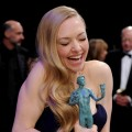 Amanda Seyfried has a moment at the 19th Annual Screen Actors Guild Awards at The Shrine Auditorium on January 27, 2013 in Los Angeles, California. (Photo by WireImage)