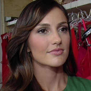 How Does Minka Kelly Stay Fit & Healthy?