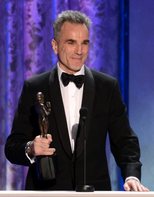 Daniel Day-Lewis accepts the award for Outstanding Performance by a Male Actor in a Leading Role for 'Lincoln' onstage during the 19th Annual Screen Actors Guild Awards held at The Shrine Auditorium on January 27, 2013 (Photo by Getty Images)